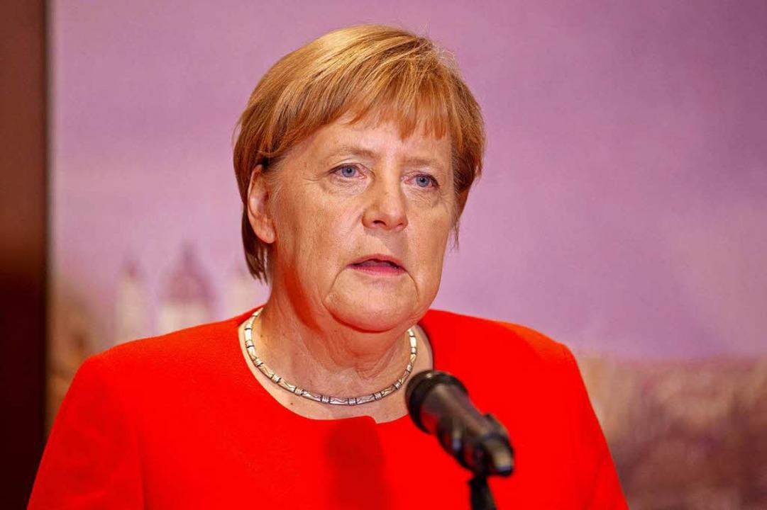 Bundeskanzlerin Angela Merkel (CDU) gi...fassungsschutzchefs Maaßen zu beraten.  | Foto: dpa