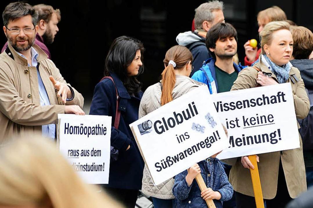 Am March for Science im April 2017 bet... Johannes Güntert (links) mit Familie.    Foto: Rita Eggstein