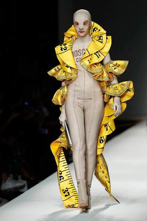 Models bei der Mailänder Modewoche.  | Foto: dpa
