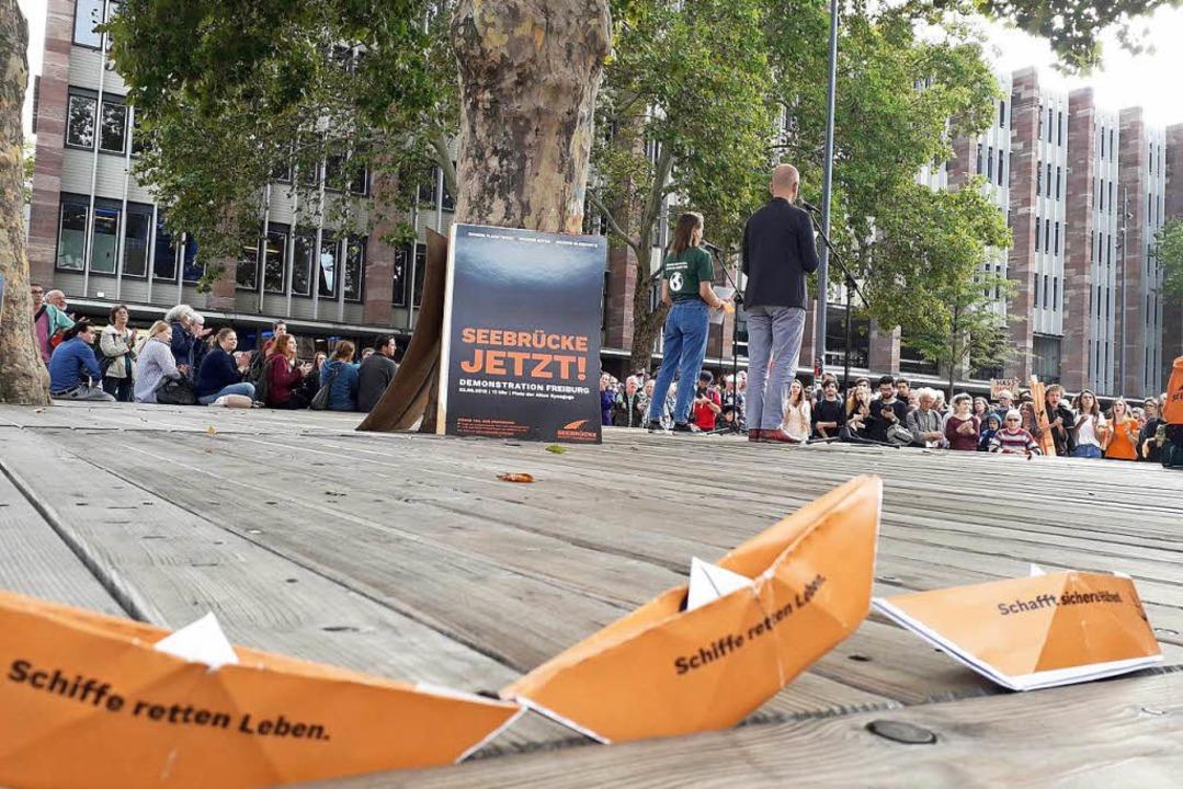 """Schiffe retten Leben"" ist das Motto des Bündnisses Seebrücke.  | Foto: Fabian Vögtle"