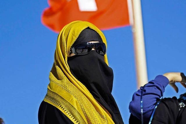 Schweizer stimmen für Burka-Verbot im Kanton St. Gallen