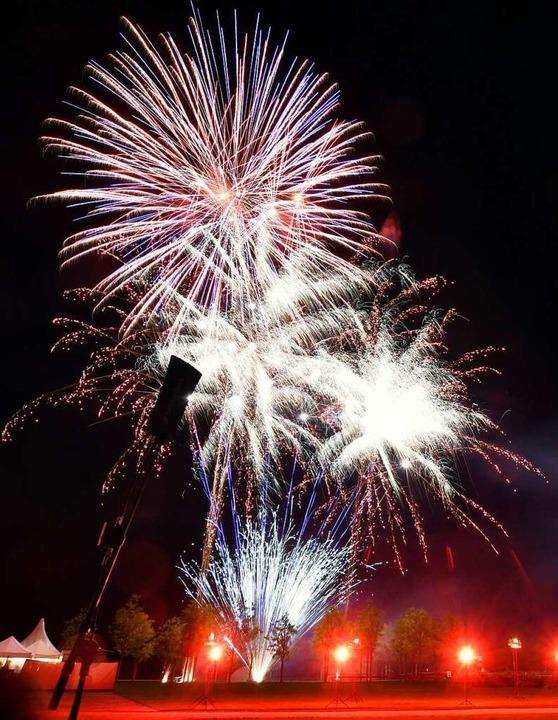 Ein spektakuläres Feuerwerk  | Foto: Wolfgang Künstle