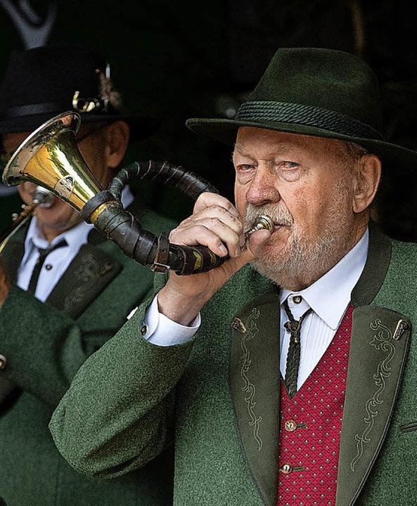 Hans Beck war 48 Jahre lang musikalisc...ert den Hochschwarzwälder Waidmännern.  | Foto: Wolfgang Scheu