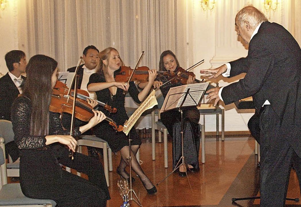 Einen wundervollen Mozartabend schenkt...en Festsaal des Kollegs in St. Blasien  | Foto: Karin Stöckl-Steinebrunner