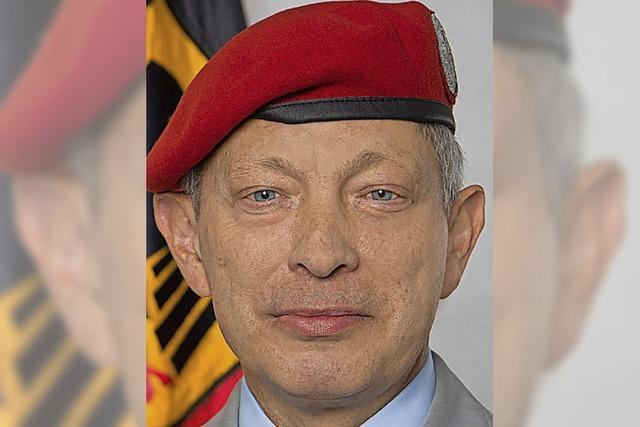 Chef über 2300 Soldaten
