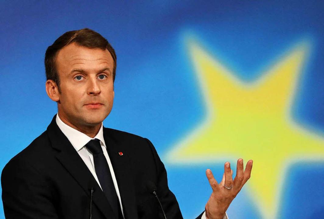 Der französische Präsident Emmanuel Ma...echtspopulisten wankende EU  festigen.  | Foto: dpa
