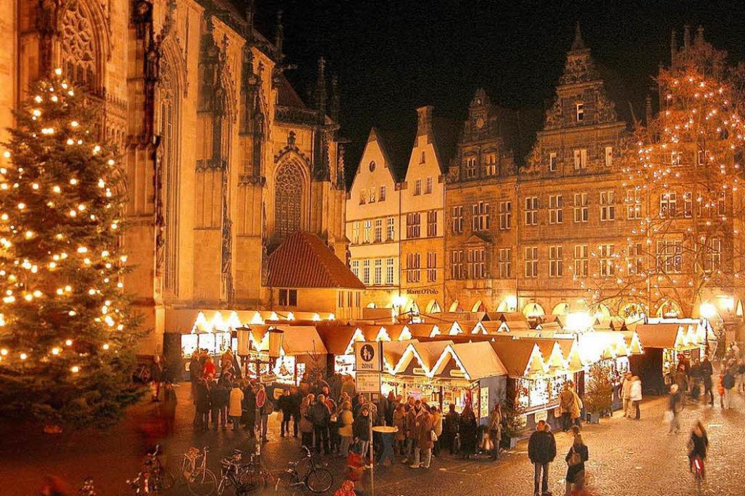 Münsters Altstadt in festlichem Glanz  | Foto: Presseamt Münster / Tilman Roßmöller