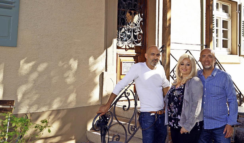Die Eigentümer wechseln, doch der Adle...soula und Vito Saponaro aus Müllheim.     Foto: Silke Hartenstein