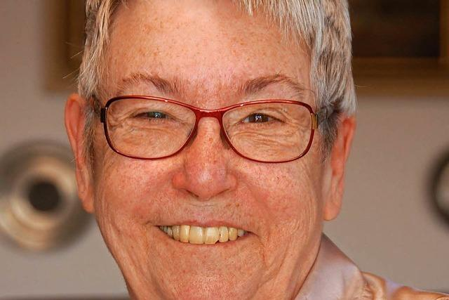 Trude Sommer erhält des Bundesverdienstkreuz