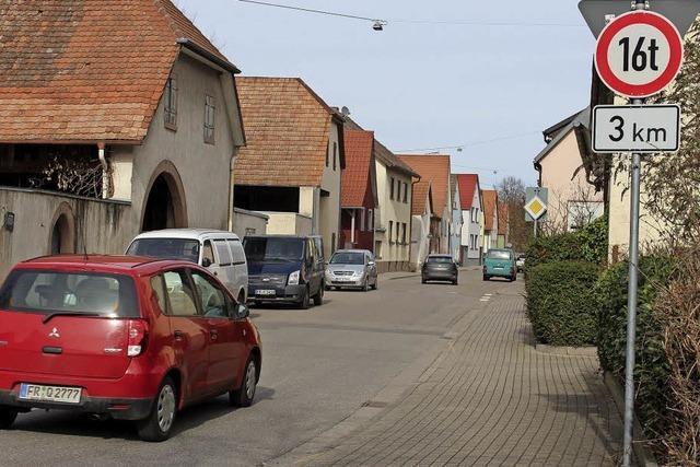 Parkflächen für zwei Straßen
