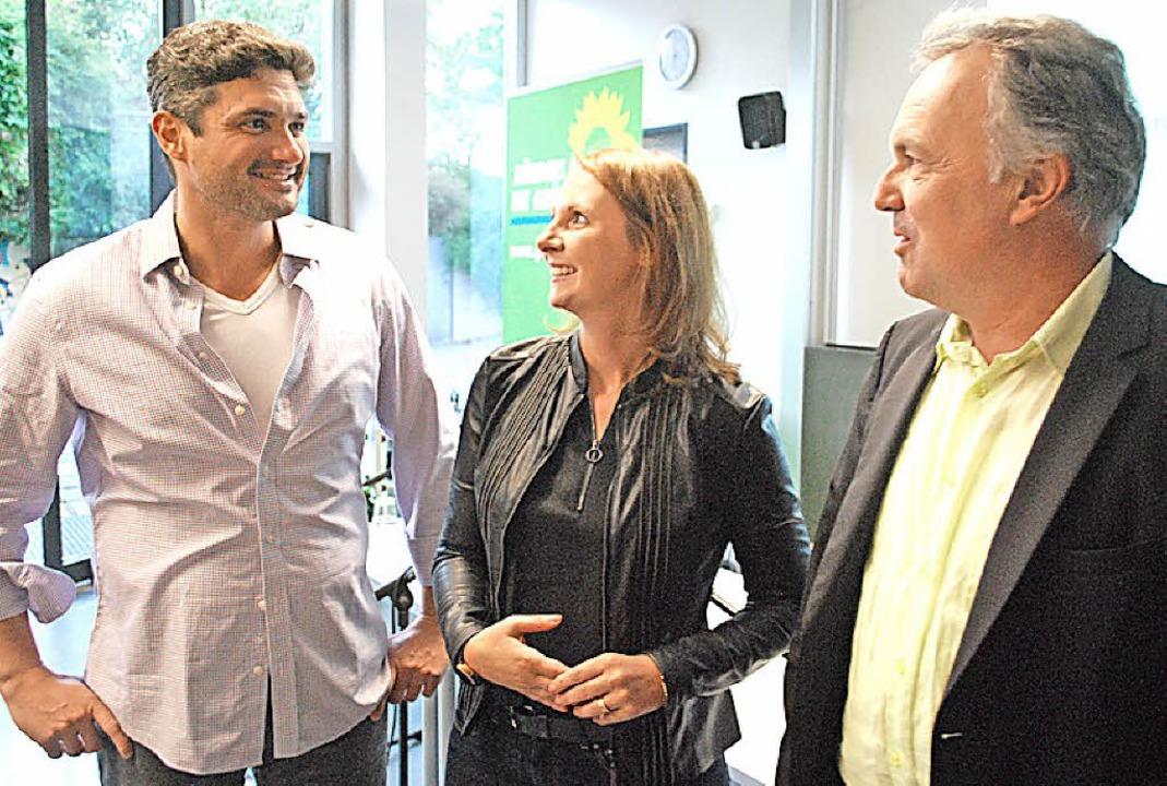 David Weber (links), Sandra Boser und  Josha Frey im Gespräch  | Foto: Mink