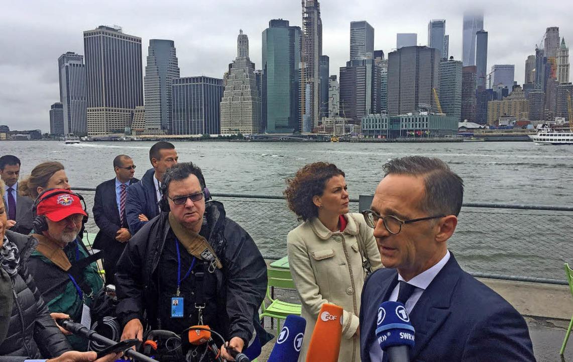 Heiko Maas (rechts) während seines Besuchs in New York   | Foto: dpa