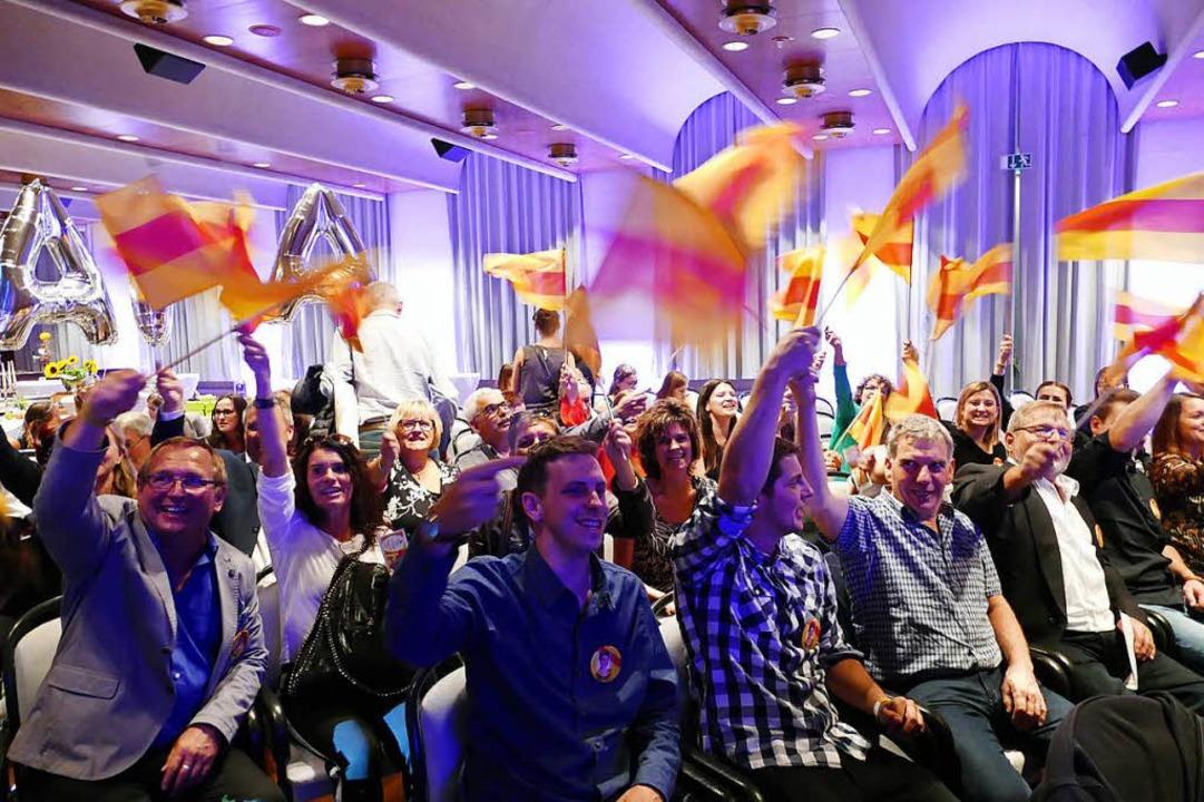Die badische Bewerberin Franziska Aatz...von vielen Fans lautstark unterstützt.  | Foto: Gerold Zink