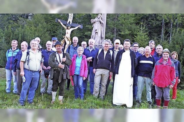 Pilger beten für den Frieden