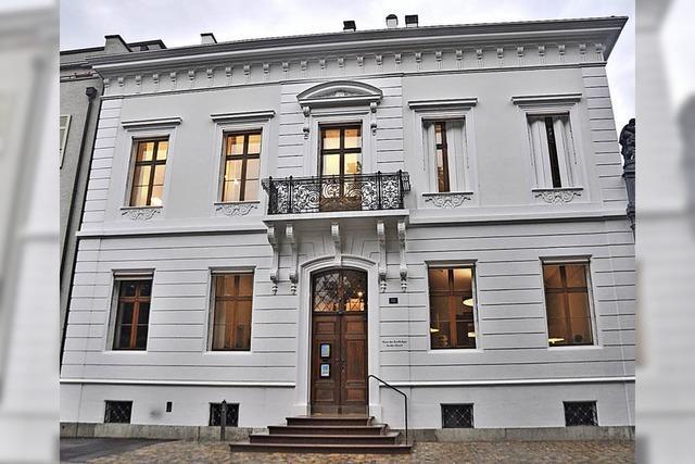 Ein Herrschaftshaus öffnet sich