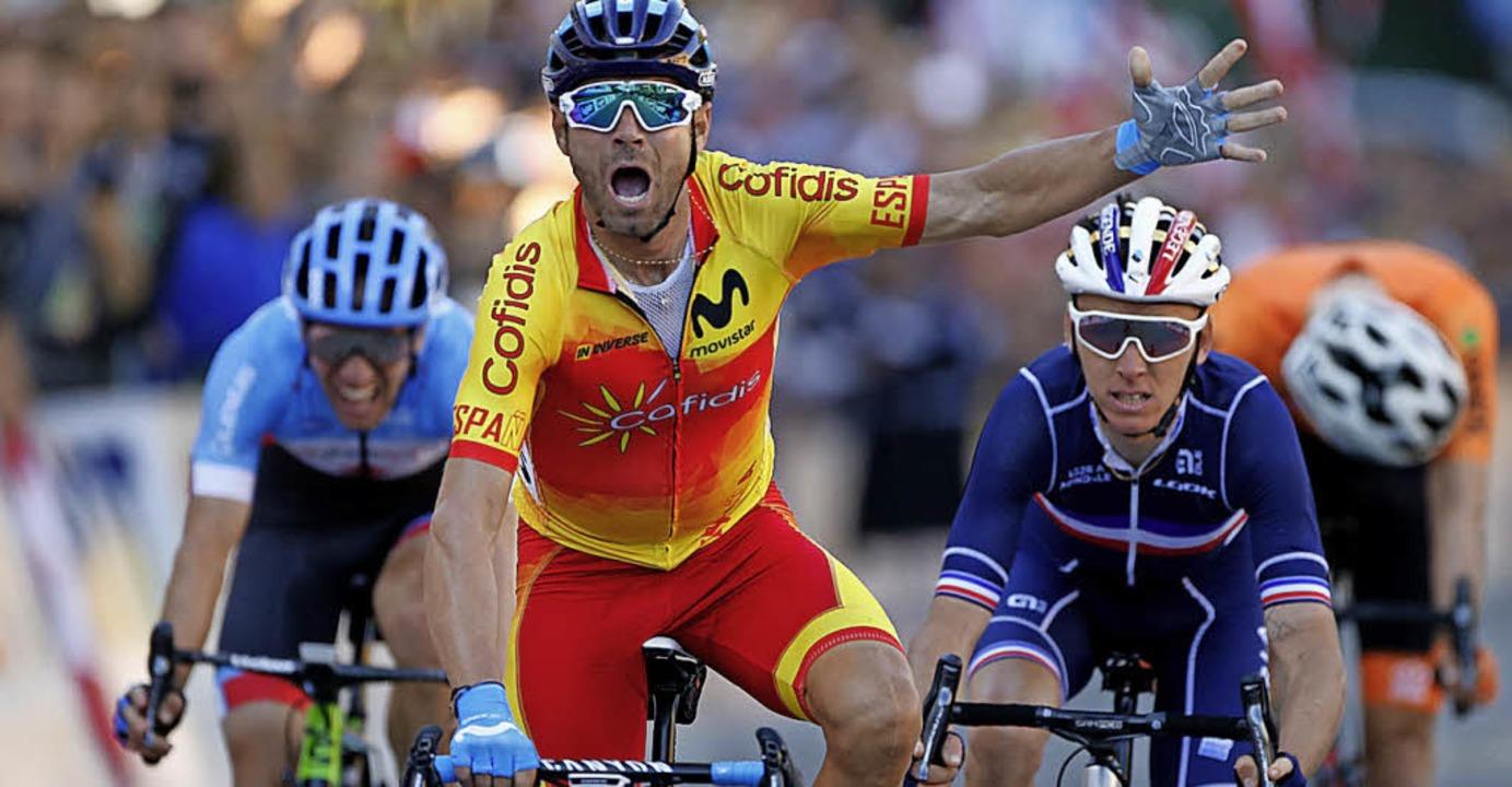 Alejandro Valverde wird Weltmeister und jubelt.    | Foto: dpa