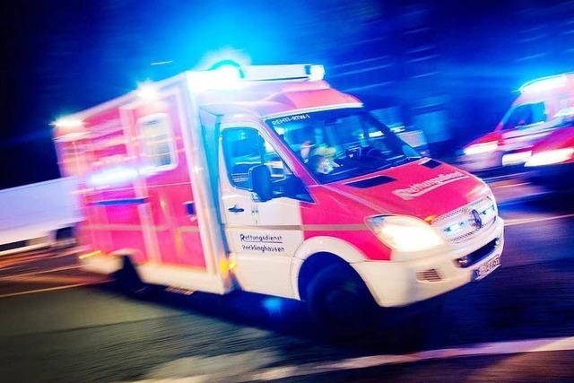 Mann stürzt bei Arbeiten an Markise ab und verletzt sich schwer