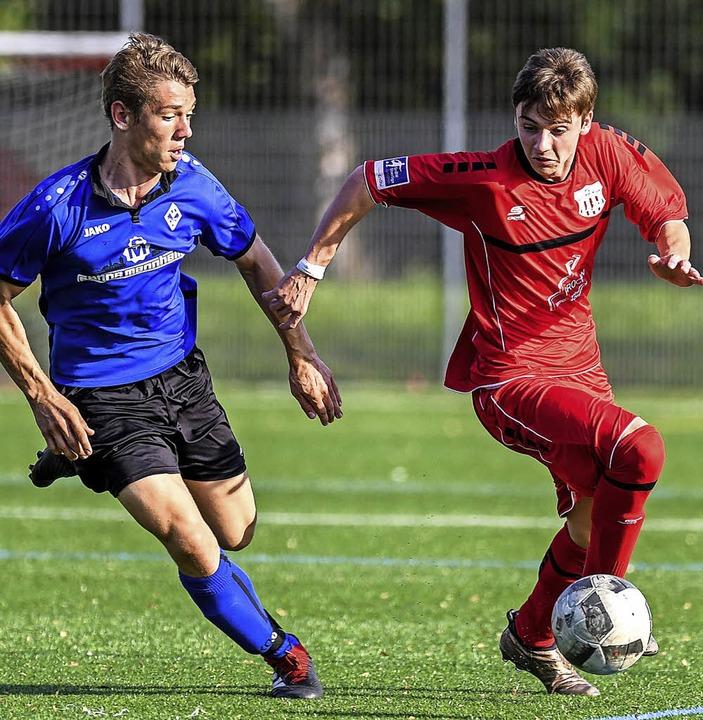 <BZ-FotoAnlauf>Jugendfussball:</BZ-Fot...annheim mit Marc Lutz 1:3 nach Toren.   | Foto: Gerd Gründl