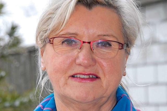 Sigrid Weigand besucht Patienten im Kreiskrankenhaus