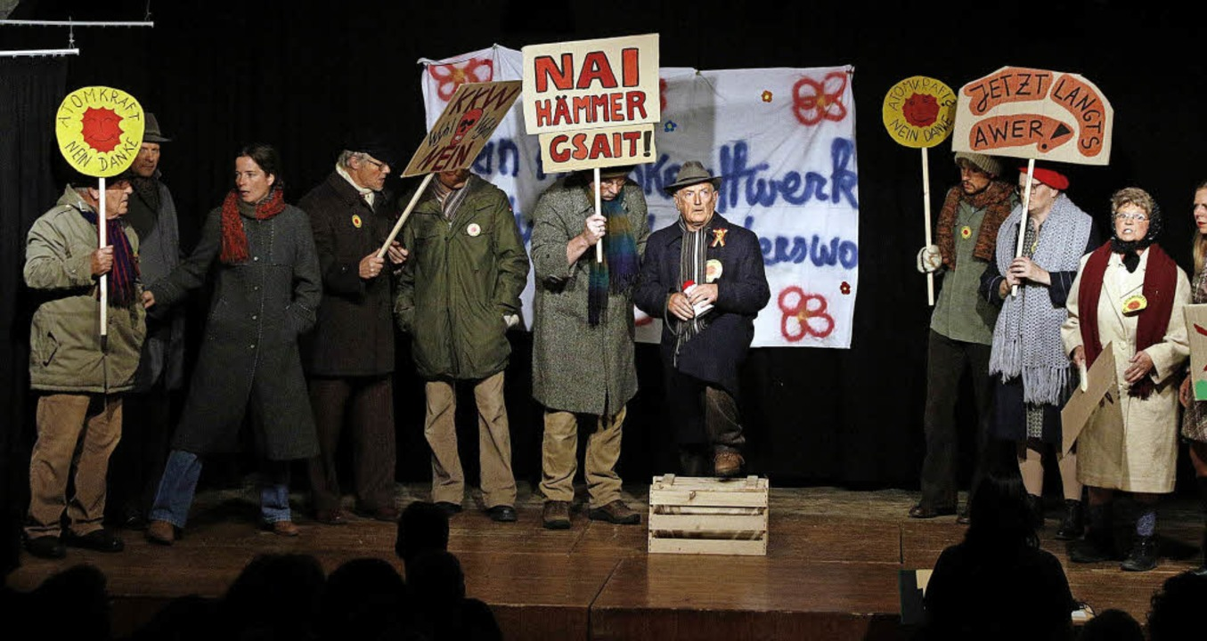 Die Gruppenszenen gehören zu den Höhepunkten des Stücks.  | Foto: heidi fössel