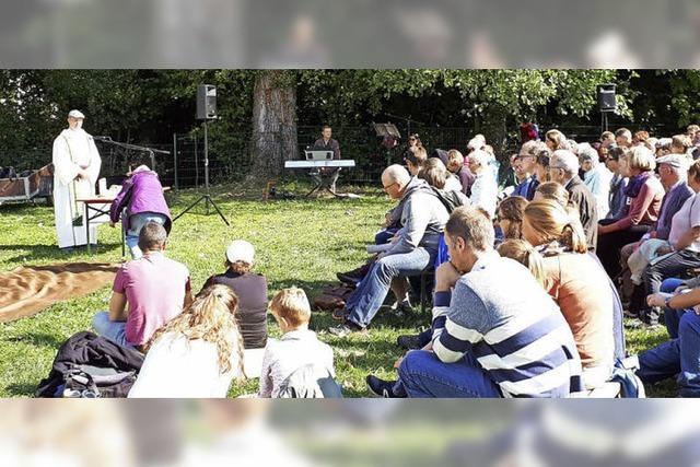 Vier Pfarrgemeinden begegnen sich auf Pilgerweg