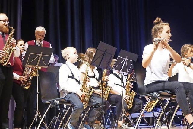 Dirigent und Orchester harmonieren