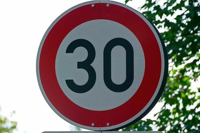 Denzlinger Rat will Tempo 30 auf der Hauptstraße