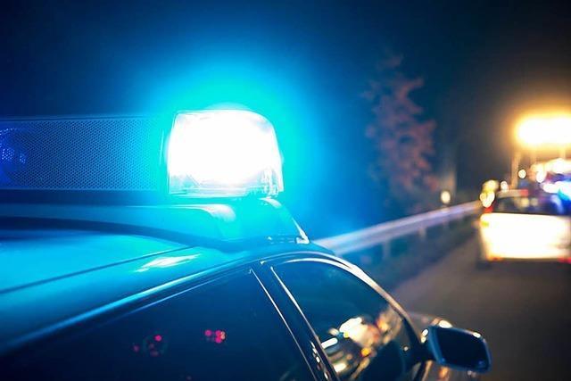 Unfall wegen müdem und betrunkenem Beifahrer in Schönau