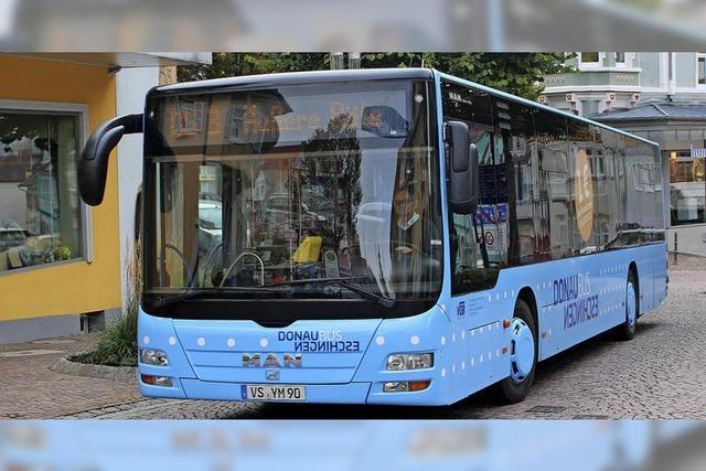 Blauer Bus wird ein Jahr alt