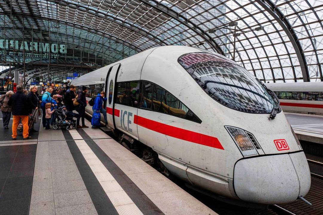 Vom 9. Dezember an gelten ein neuer Fahrplan – und neue Preise.  | Foto: AFP