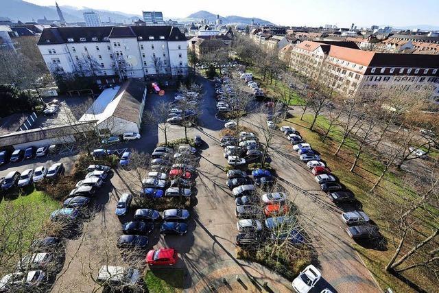 An der Stefan-Meier-Straße könnten 74 neue Wohnungen entstehen - auf einem Behördenparkplatz