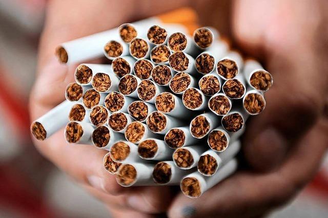 Diebe klauen Zigaretten in Wehr und flüchten