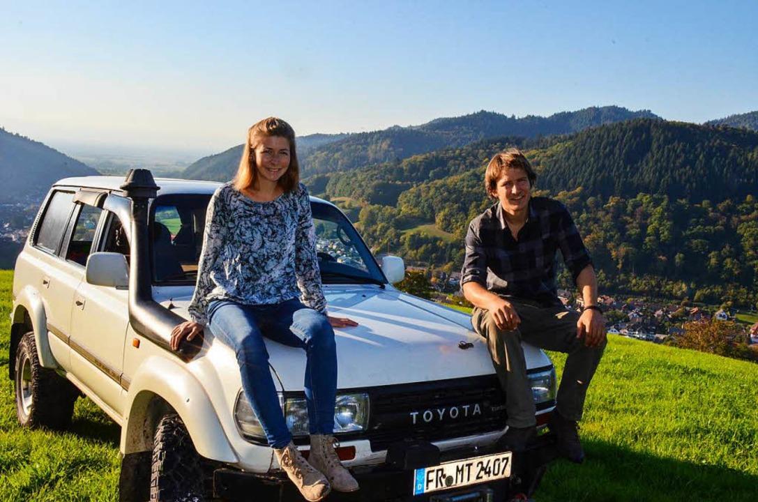 Nach 66000 Kilometern zurück in der He...thias Zimmermann mit ihrem Landcruiser  | Foto: Gabriele Hennicke