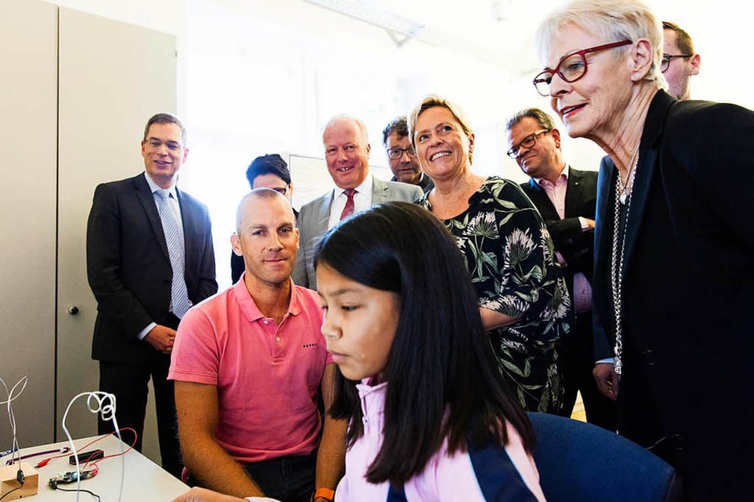Impressionen von der Eröffnung des Dr. Erwin Sick Schülerforschungshauses.  | Foto: Gabriele Zahn