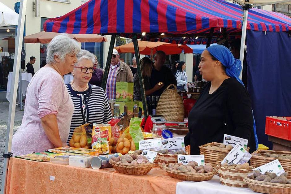Viel zu sehen gab es am Samstag in der Emmendinger Innenstadt: Auf dem Naturparkmarkt... (Foto: Annika Sindlinger)
