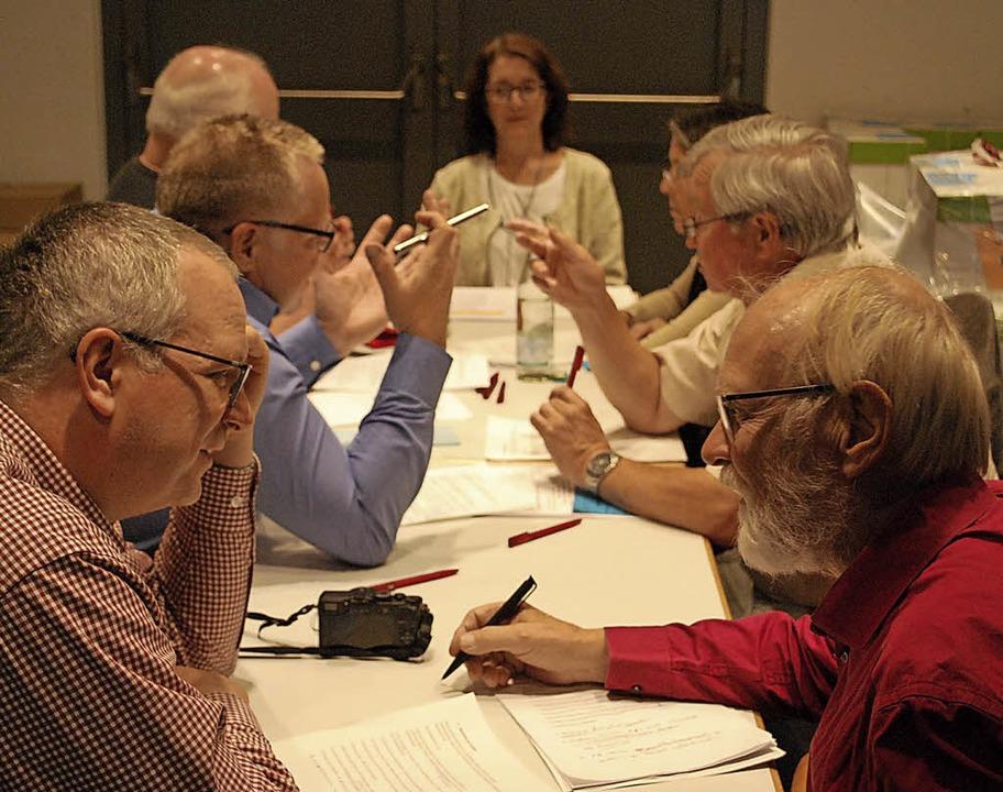 In Arbeitsgruppen beraten die Sozialde...mm für die Kreistagswahl im Mai 2019.   | Foto: Thomas Loisl Mink