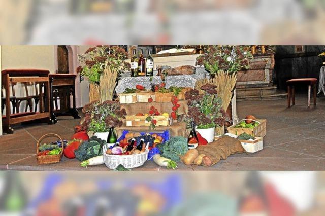 Früchte vor dem Altar
