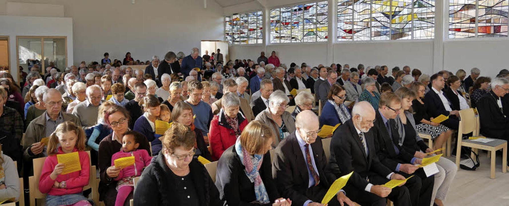 Kein Platz war mehr frei zur Einweihung in der Christuskirche  | Foto: Eva Korinth