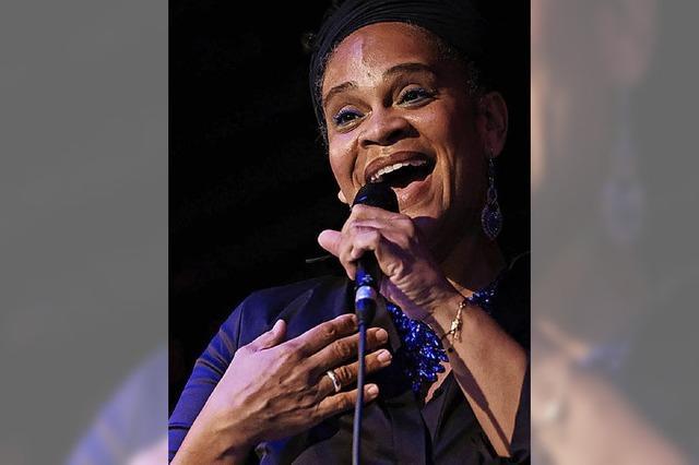 Sängerin Cécile Verny erklärt, warum Singen in der Gruppe so Freude macht