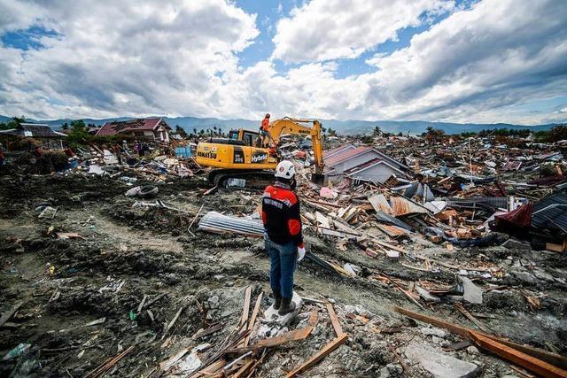 2000 Tote nach Sulawesi-Beben geborgen - neuer Erdstoß