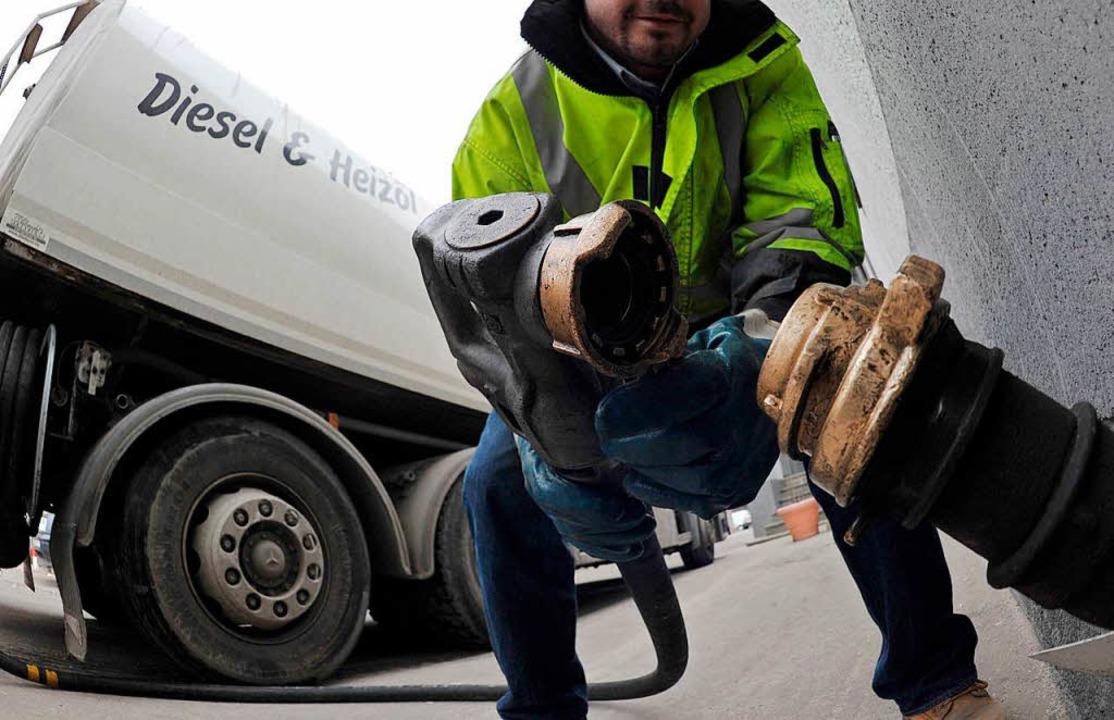 Beim Heizölkauf heißt es Preise beobac...ibt es schon seit längerem nicht mehr.  | Foto: Paul Zinken