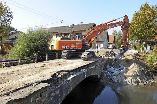 Brücke wird abgerissen