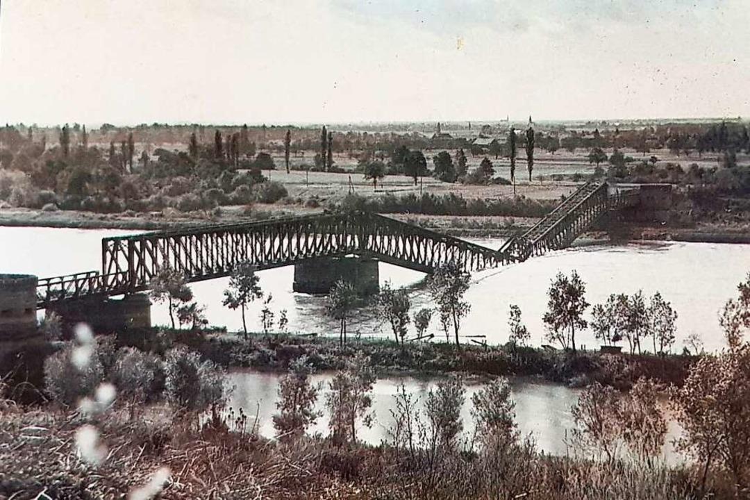 Die Rheinbrücke bei Breisach nach der  Sprengung 1939  | Foto: Stadtarchiv Breisach