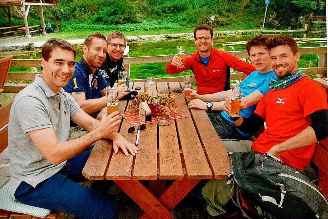 Regelmäßig trifft sich die Männerrunde zu gemeinsamen Unternehmungen.  | Foto: privat