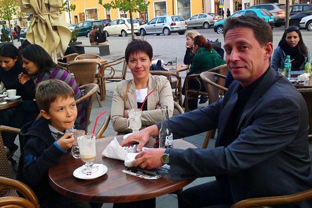 Das Foto zeigt die Familie Özkara 2013 im rumänischen  Cluj  | Foto: privat