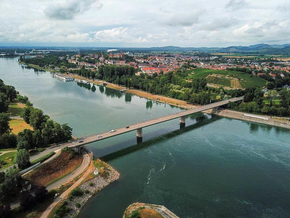 Bei Breisach soll wieder eine Bahnbrücke gebaut werden.  | Foto: Patrick Kerber
