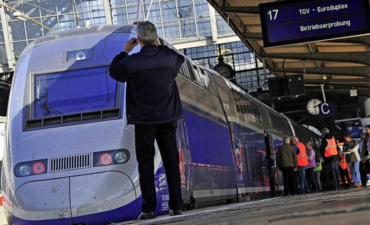 Zweistöckig nach Frankreich: Hochgeschwindigkeitszug TGV am Frankfurter Bahnhof   | Foto: Archivfoto: dpa