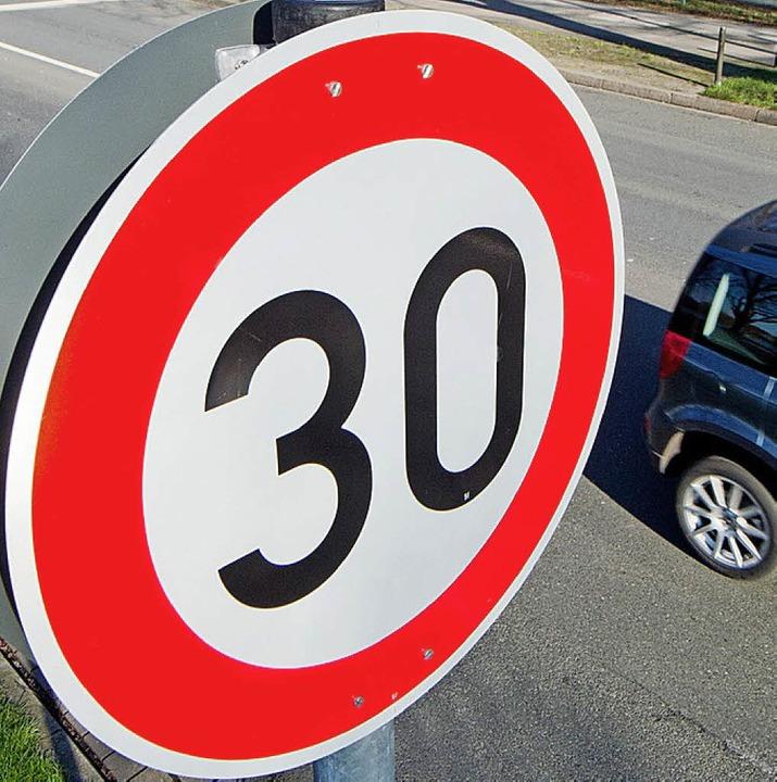 Tempo 30 gilt jetzt  auf der Johann-K.-Albrecht-Straße.   | Foto: Symbolfoto: dpa