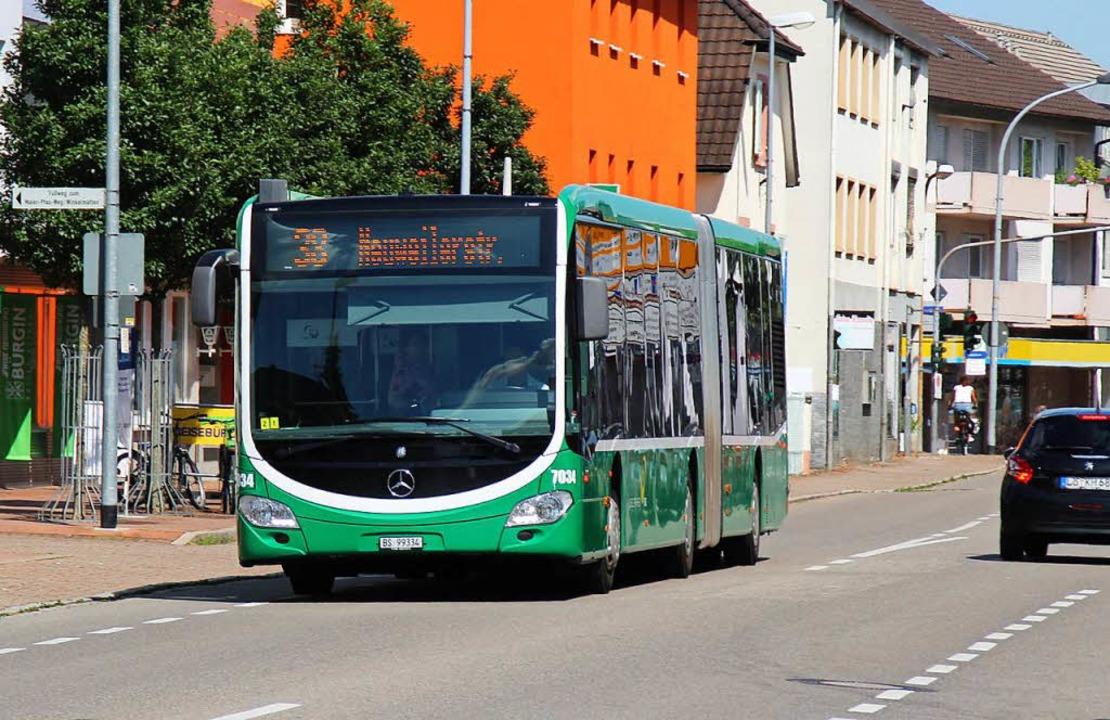 Der 38er Bus wird gerne und viel  genu...gs  immer mals  wieder für Verwirrung.  | Foto: Rolf Reißmann