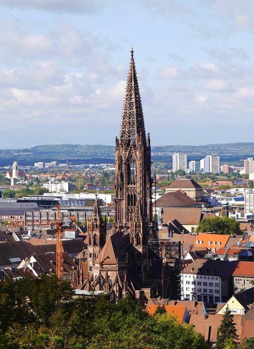 Teilen Material und Geschichte: die Münster von Freiburg...  | Foto: Anna-Dorothea Witte-Rotter